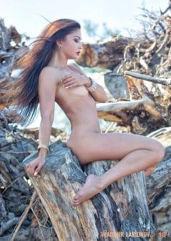 Vladimir Larionov MicroMAG – Natalia Markelova – Issue 9