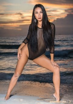 Swimsuit USA MicroMAG – Alice Li