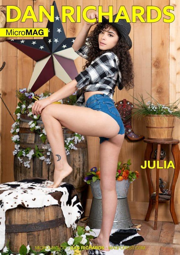 Dan Richards MicroMAG - Julia - Issue 2